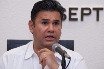 Sancionan a Willy Ochoa por proselitismo anticipado